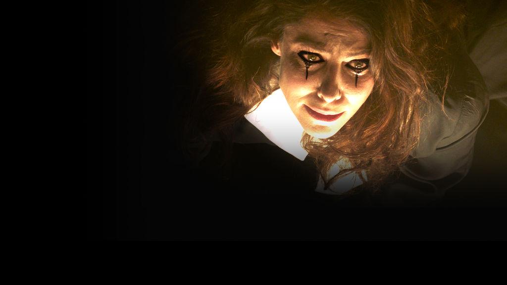 The Most Assassinated Woman in the World: una scena con Anna Mouglalis