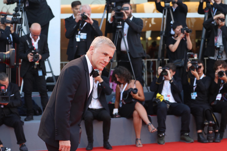 Venezia 2018: Christoph Waltz sul red carpet di chiusura
