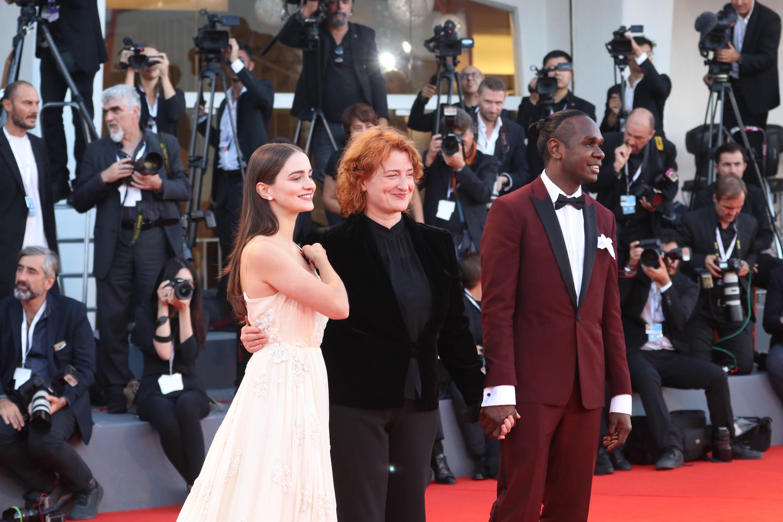 Venezia 2018: il cast di The Nightingale sul red carpet di chiusura