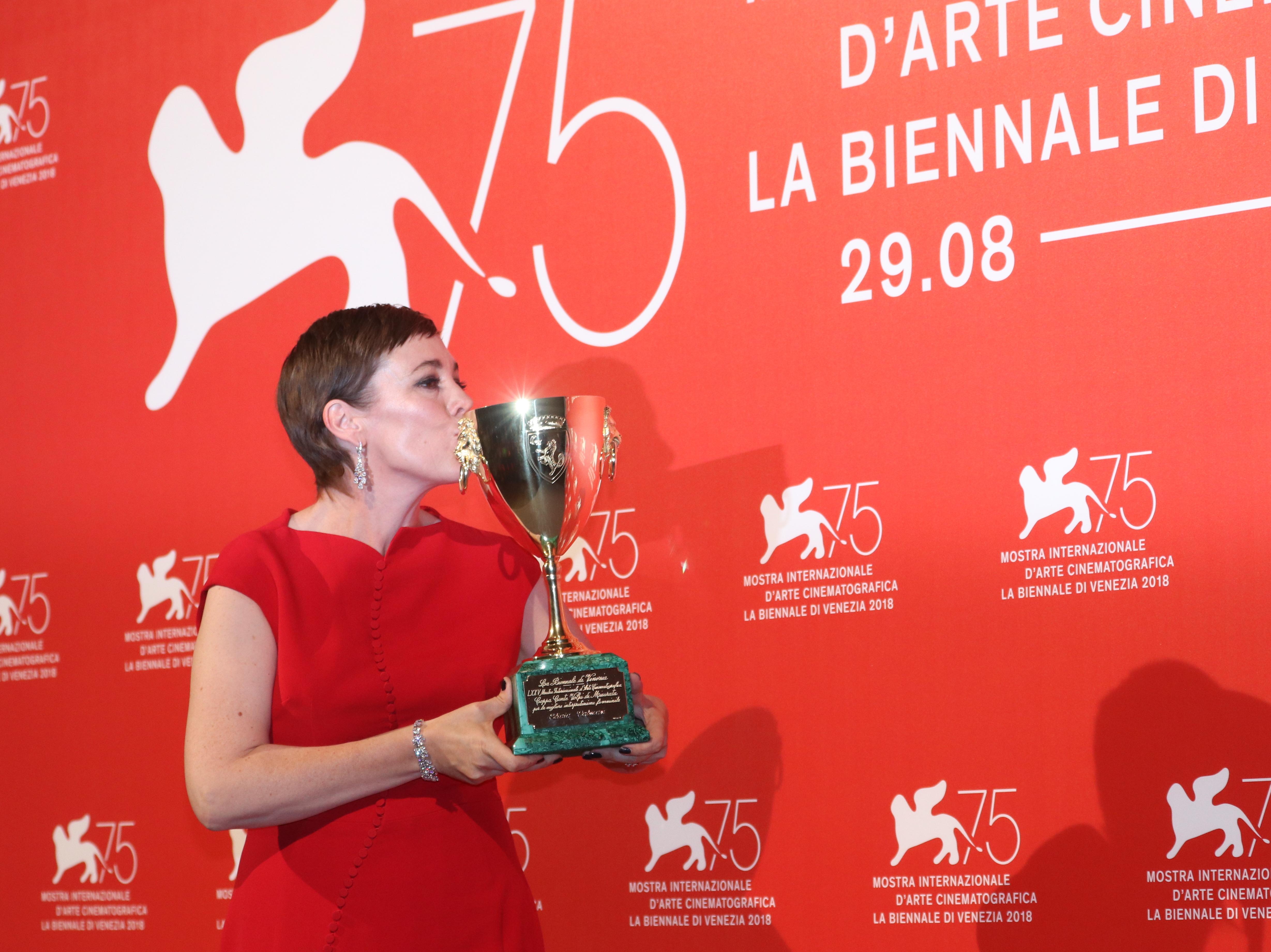 Venezia 2018: Olivia Colman al photocall dei premiati