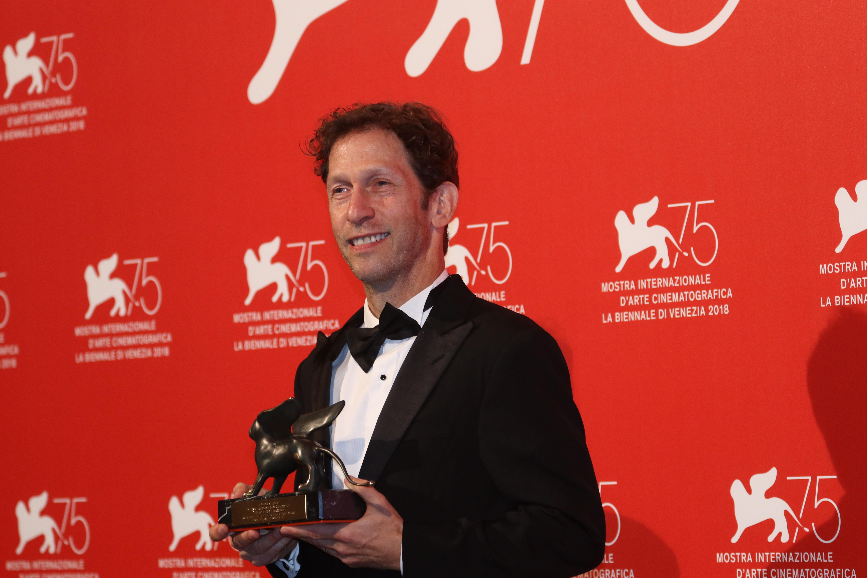 Venezia 2018: Tim Blake Nelson al photocall dei premiati