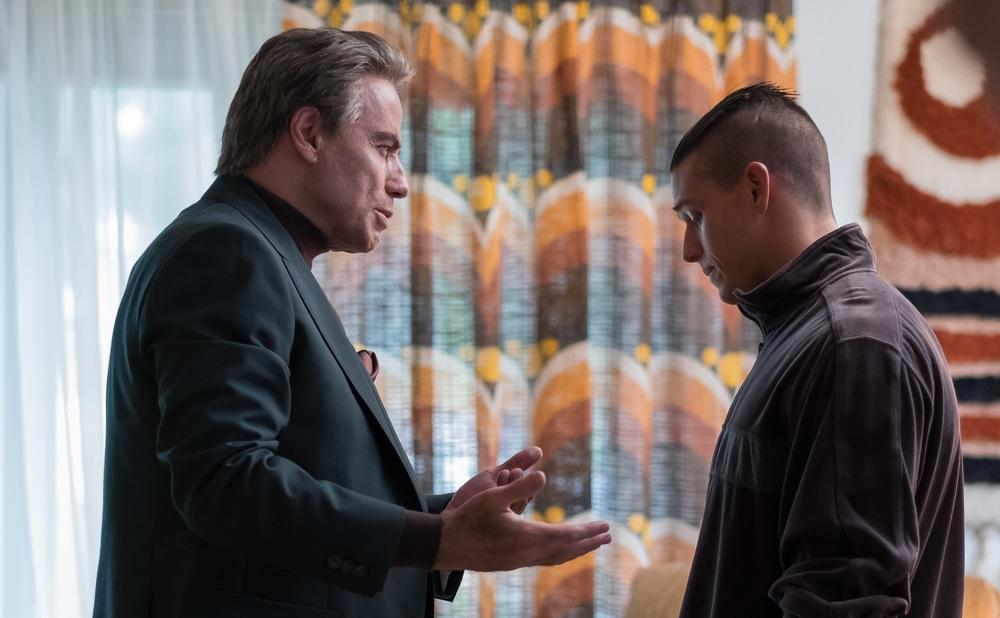 Gotti - Il primo padrino: John Travolta e Spencer LoFranco in una scena del film