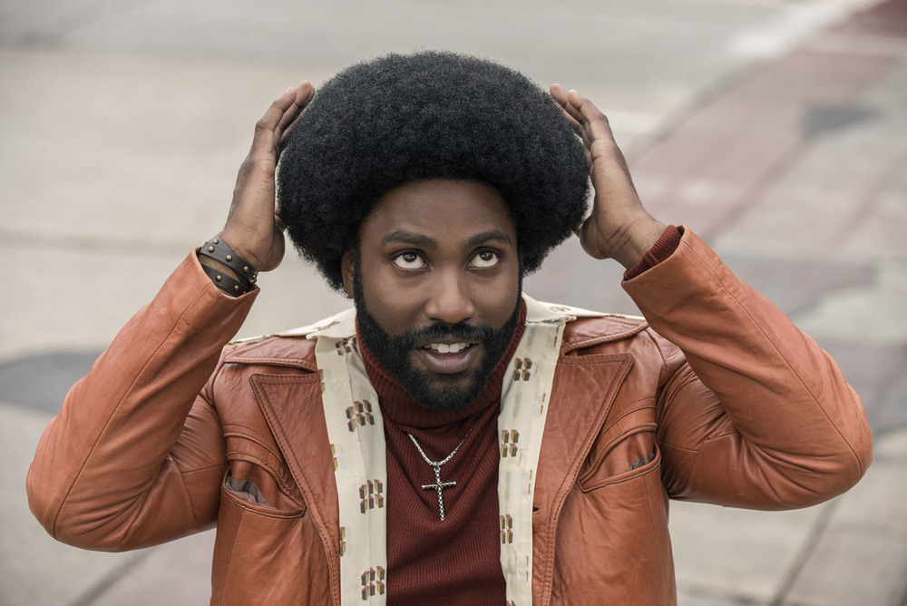 BlacKkKlansman: John David Washington e Laura Harrier in un'immagine del film