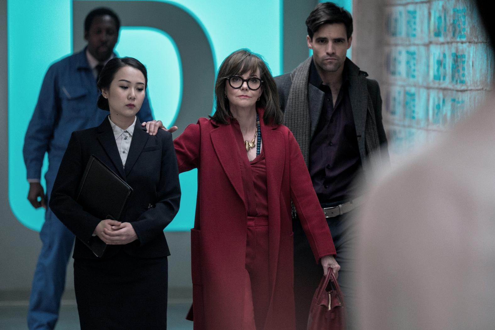 Maniac: Sally Field in una scena della serie