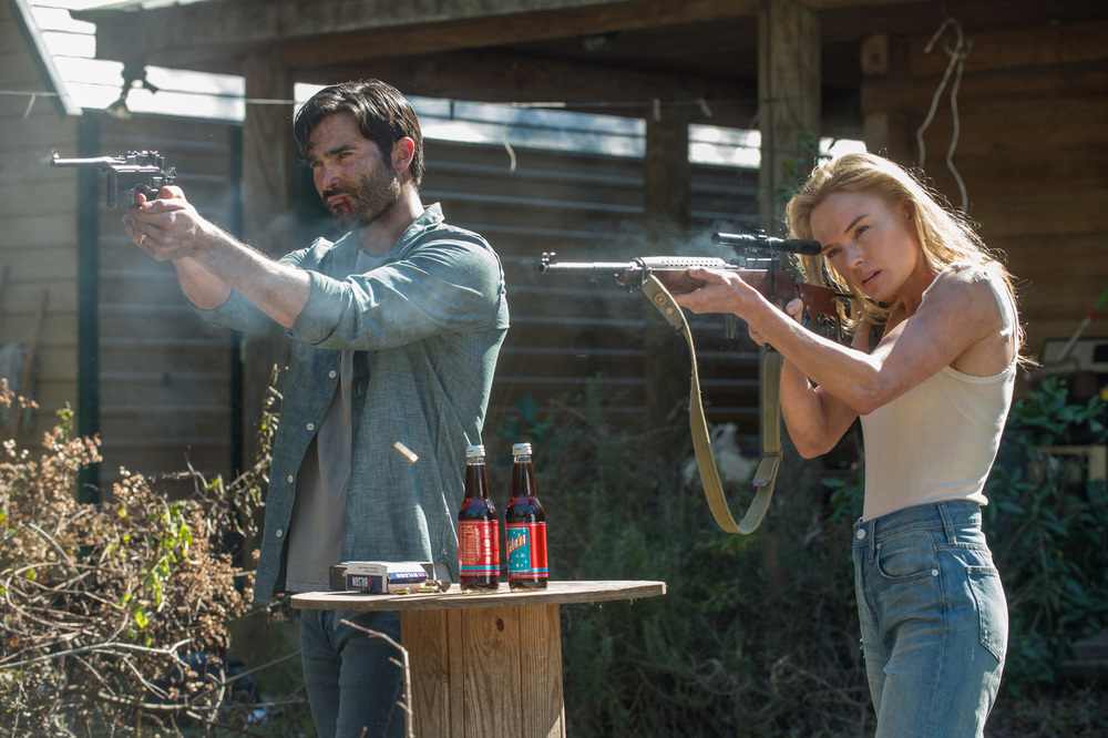 The Domestics: Tyler Hoechlin e Kate Bosworth in una scena del film
