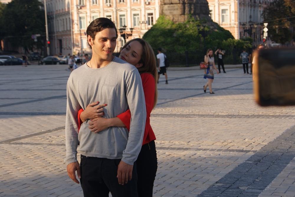Un amore così grande: Francesca Loy e Giuseppe Maggio in un'immagine del film