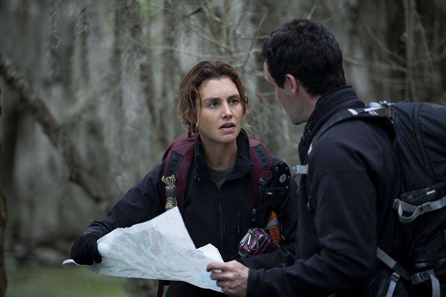 The First: James Ransone, Hannah Ware in una scena dell'episodio Cycles