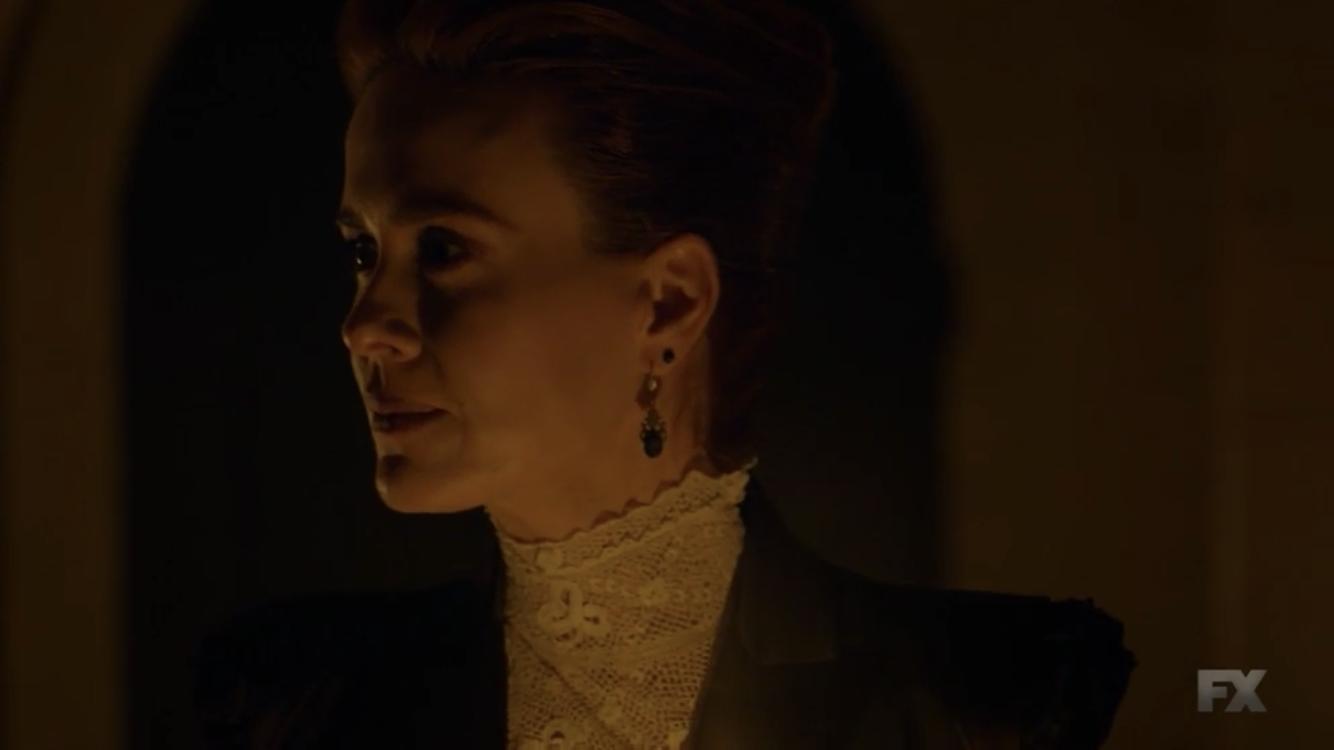 American Horror Story - Apocalypse: Sarah Paulson nella premiere