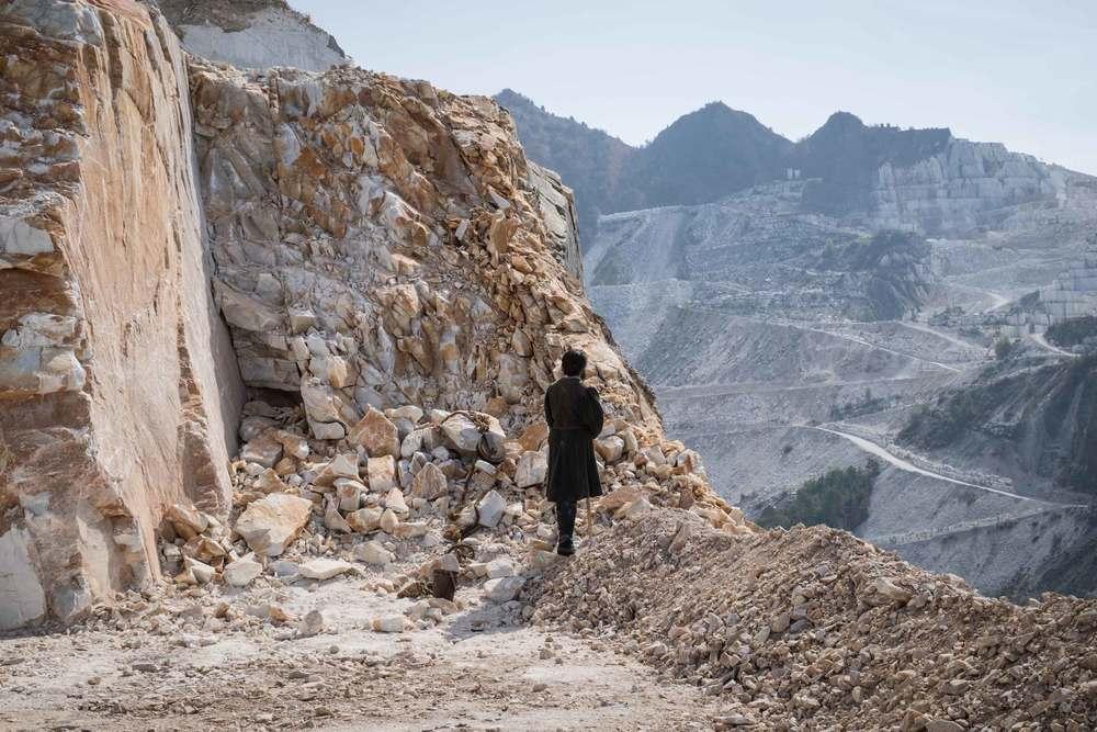 Michelangelo - Infinito: Enrico Lo Verso in un momento del film documentario