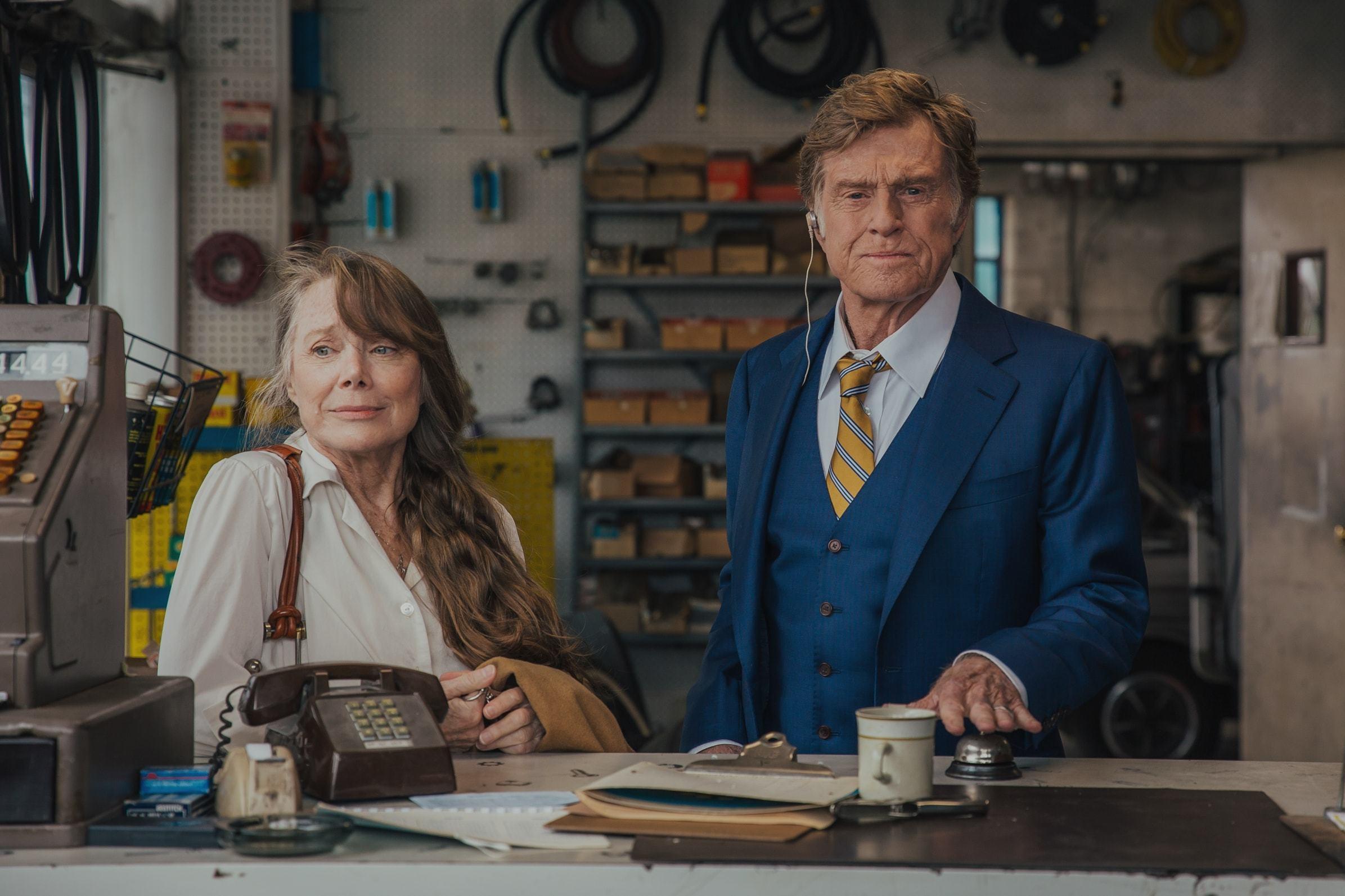 The Old Man & The Gun: Robert Redford e Sissy Spacek in una scena del film
