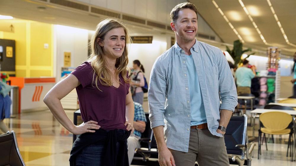 Manifest: Melissa Roxburgh e Josh Dallas in una foto della serie