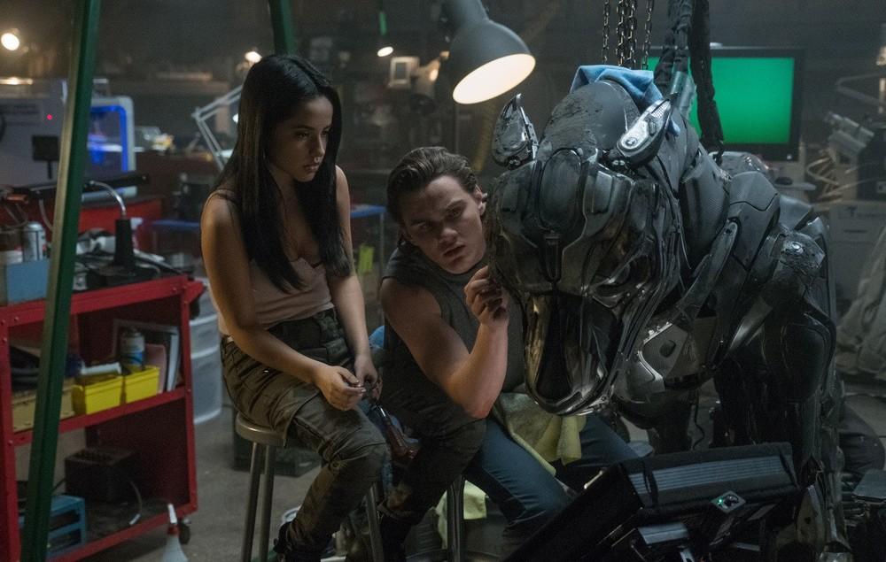 A-X-L: Un'amicizia extraordinaria, Alex Neustaedter e Becky G. in una scena del film