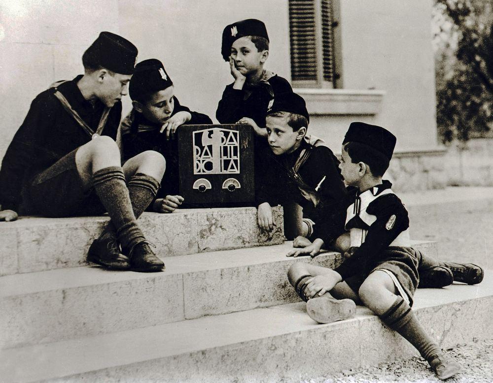 1938 - Diversi: un'immagine tratta dal documentario