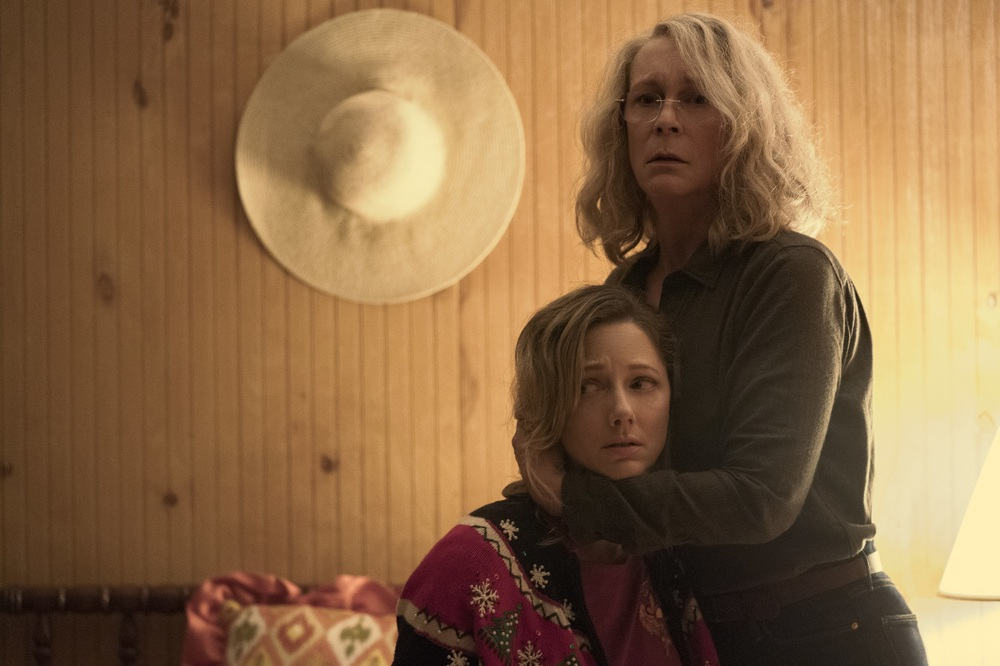 Halloween: Jamie Lee Curtis e Judy Greer in una scena del film