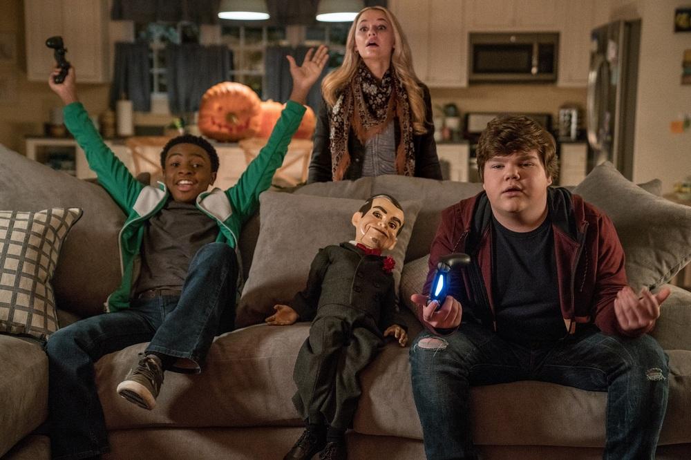 Piccoli brividi 2: I fantasmi di Halloween, Madison Iseman, Caleel Harris e Jeremy Ray Taylor in un'immagine del film