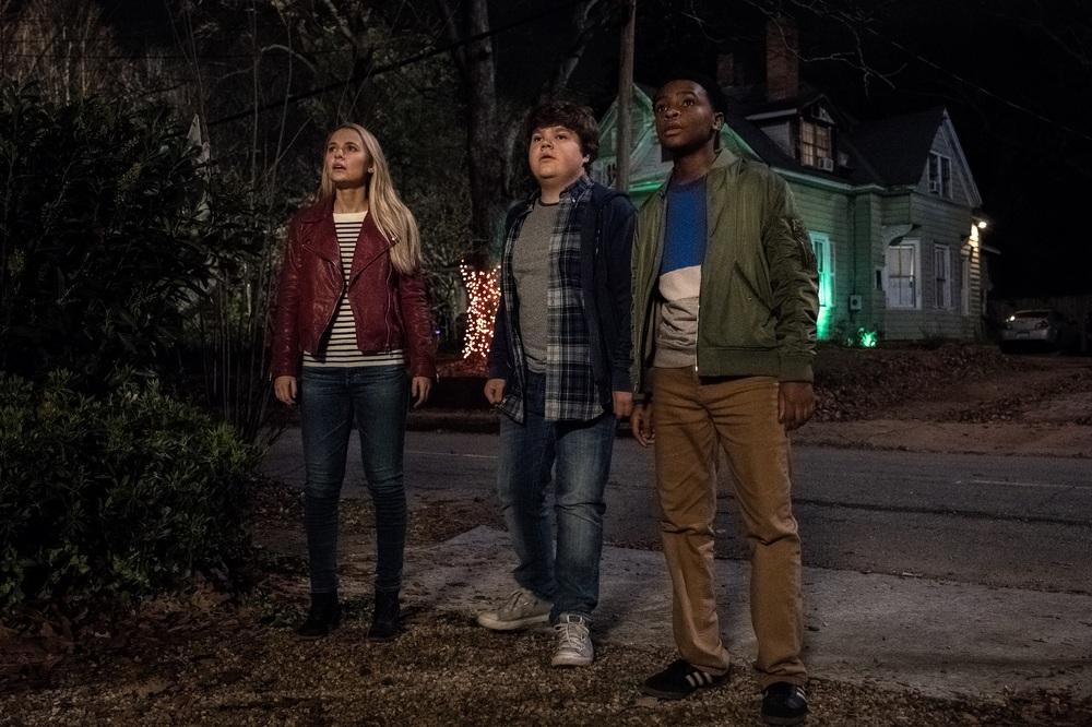 Piccoli brividi 2: I fantasmi di Halloween, Madison Iseman, Caleel Harris e Jeremy Ray Taylor in un momento del film