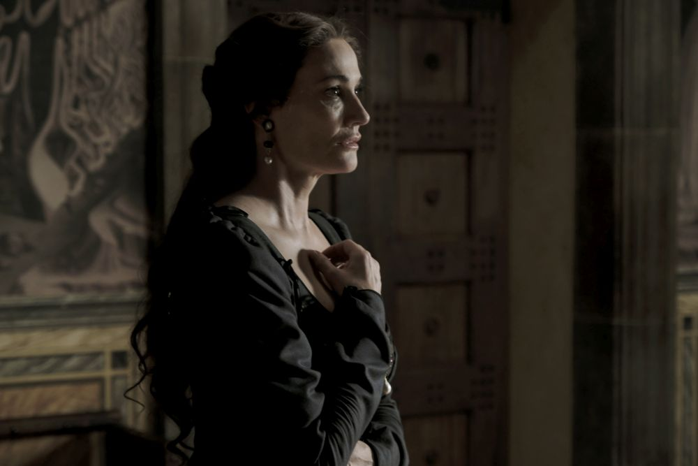 I Medici 2, Sarah Parish in una scena