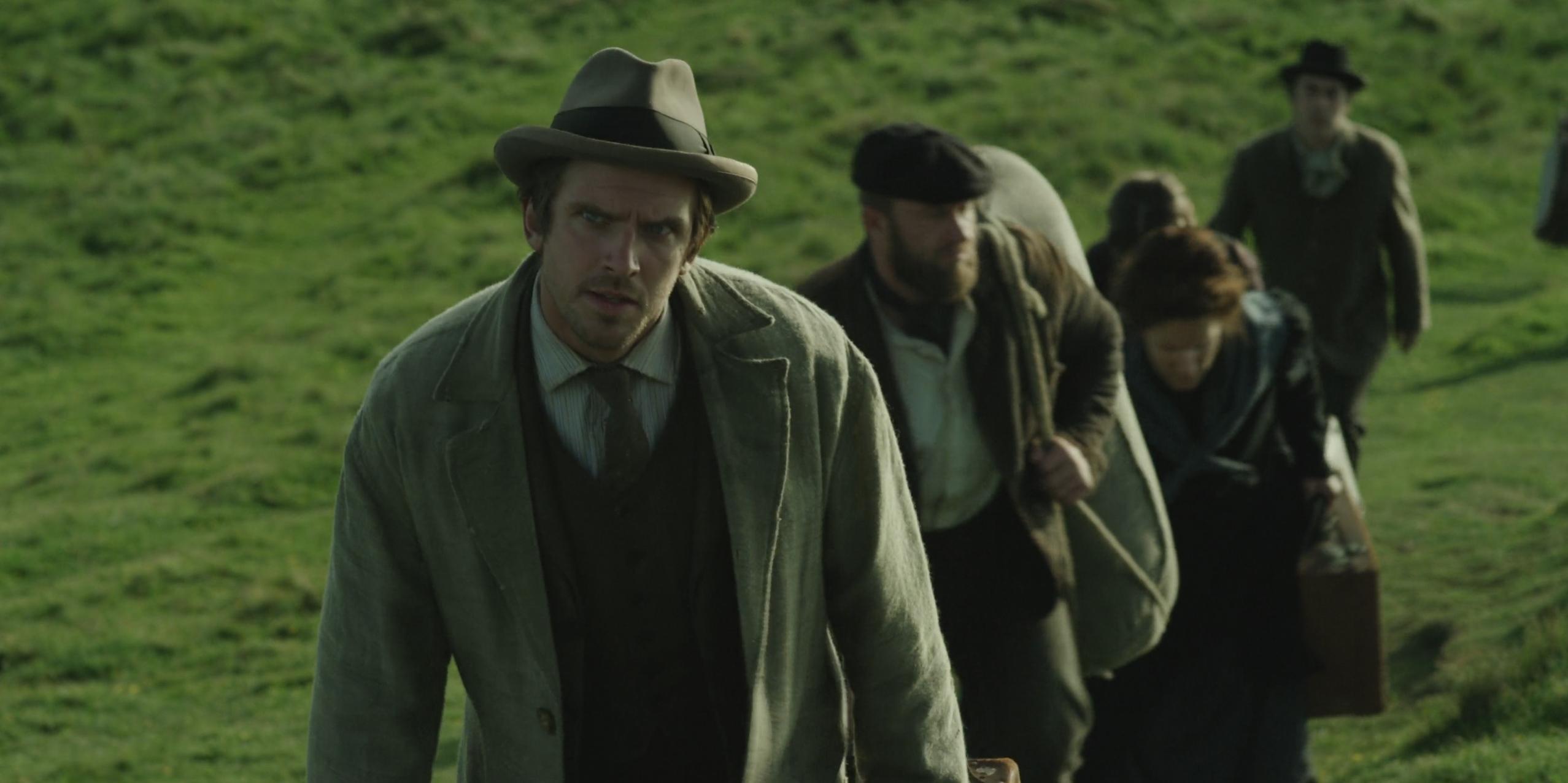 Apostolo: Dan Stevens in una sequenza del film