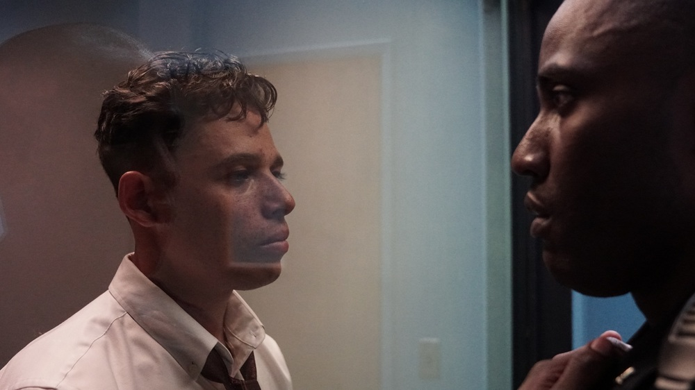 Monsters and Men: John David Washington e Anthony Ramos in un momento del film