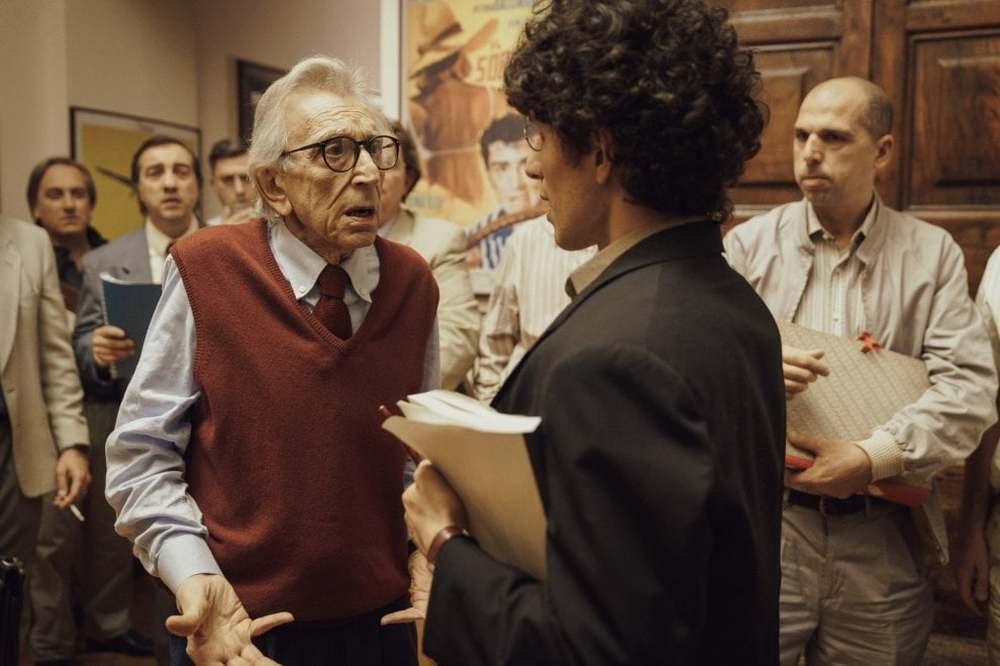 Notti magiche: Mauro Lamantia e Roberto Herlitzka in una scena del film