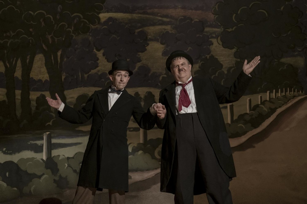 Stanlio e Ollio: Steve Coogan e John C. Reilly in una scena del film