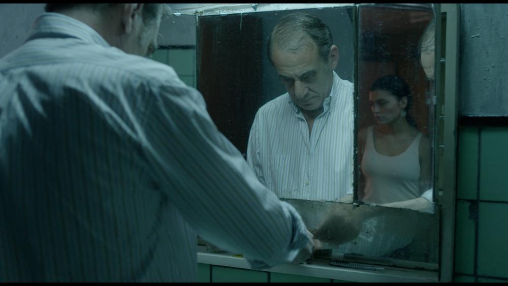 White Blood: Eva De Dominici e Alejandro Awada in una scena del film
