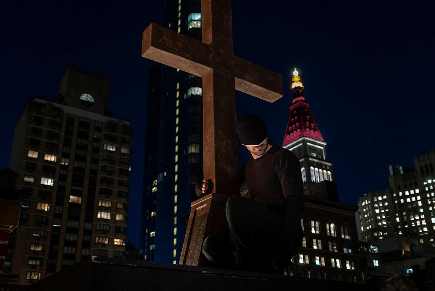 Daredevil: Charlie Cox nell'episodio Resurrezione