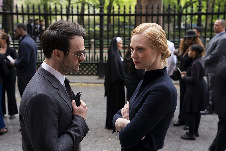 Daredevil: Charlie Cox e Deborah Ann Woll nell'episodio Un pezzo di carta
