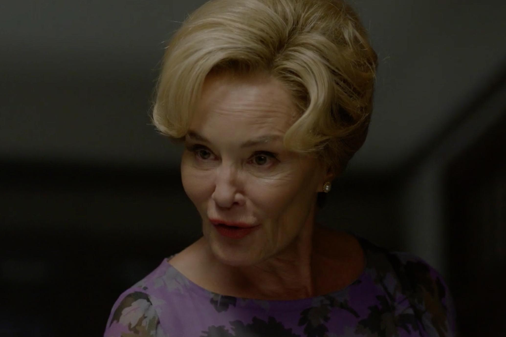 American Horror Story: una scena con Jessica Lange nell'episodio Return to Murder House