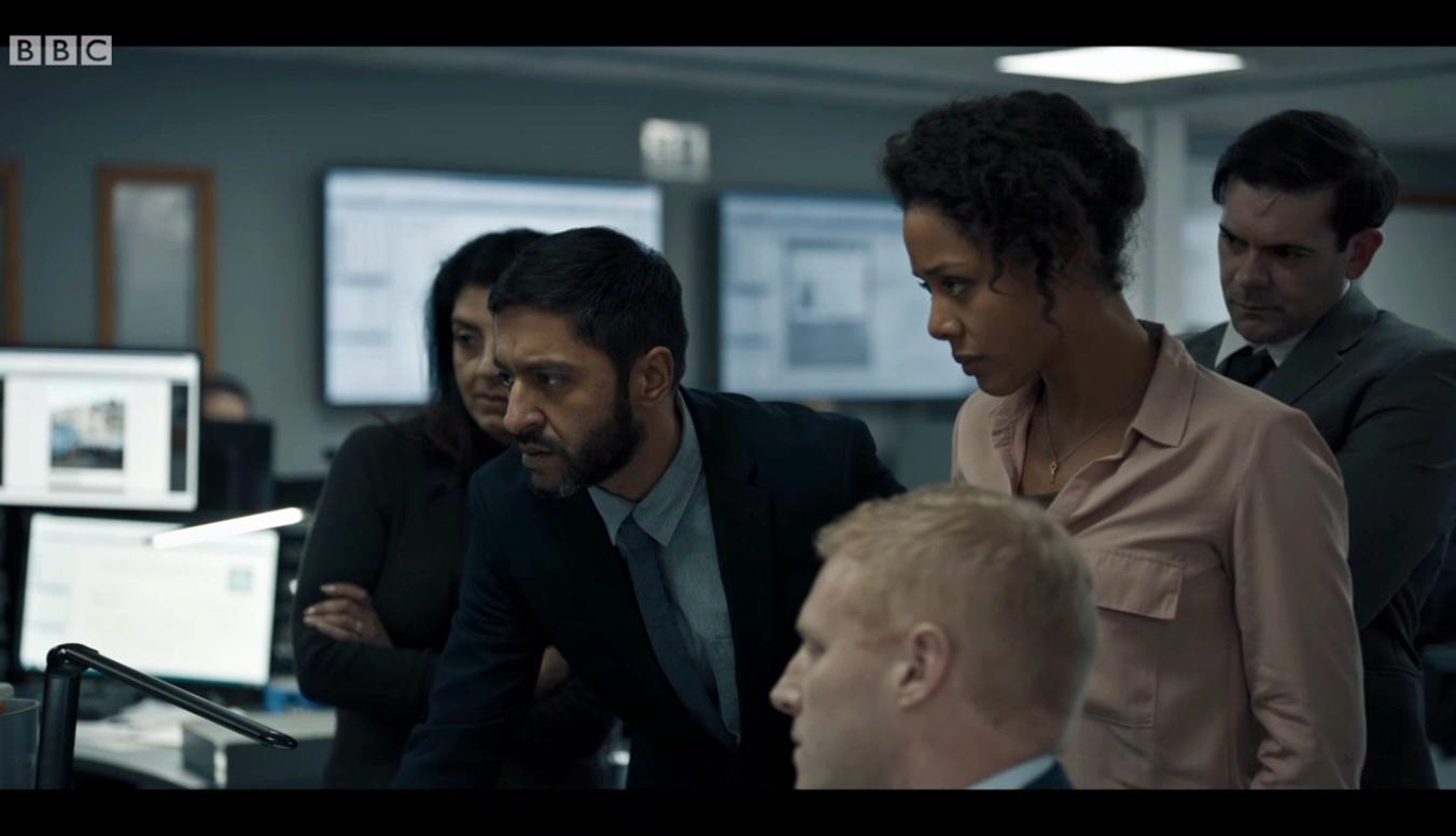 Bodyguard: Ash Tandon,  Nina Toussaint-White in una scena