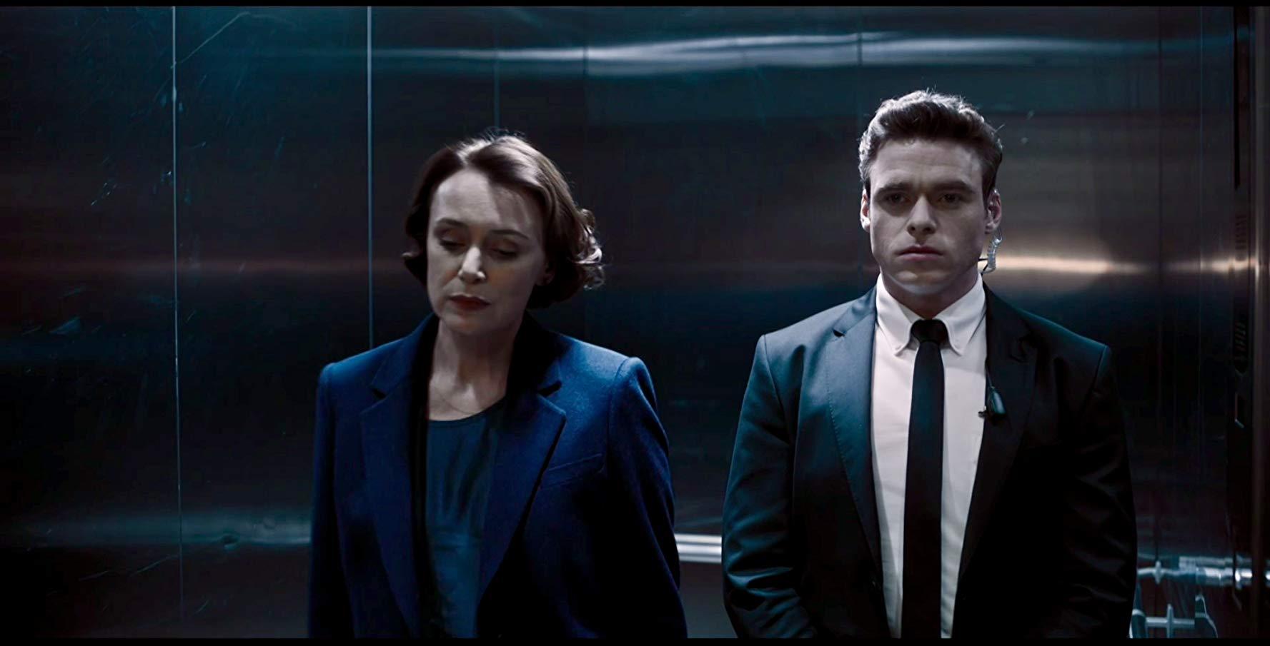 Bodyguard: Richard Madden e Keeley Hawee in una scena