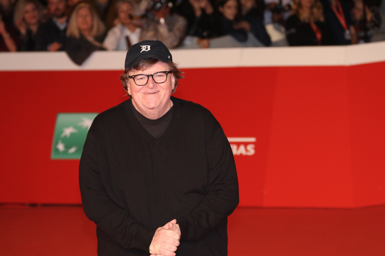 Roma 2018: un sorridente Michael Moore sul red carpet