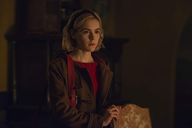 Le terrificanti avventure di Sabrina: Kiernan Shipka in una scena