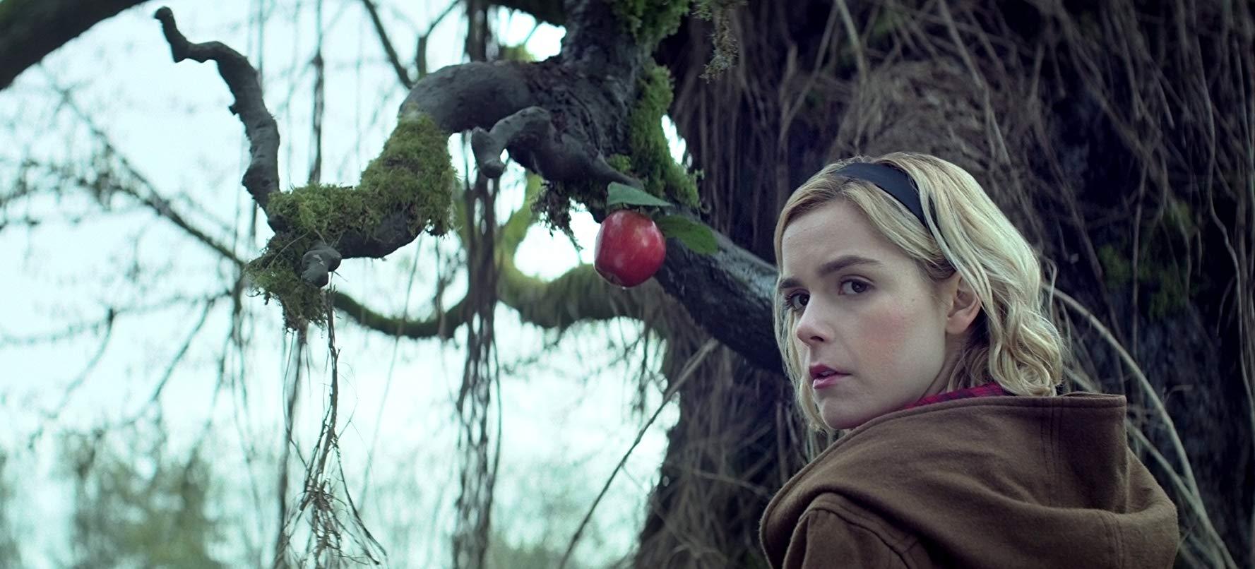 Le terrificanti avventure di Sabrina: una scena con Kiernan Shipka