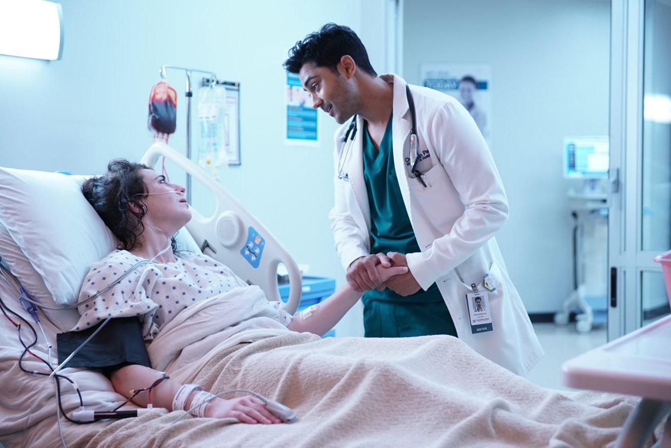 The Resident: Manish Dayal in una foto della seconda stagione