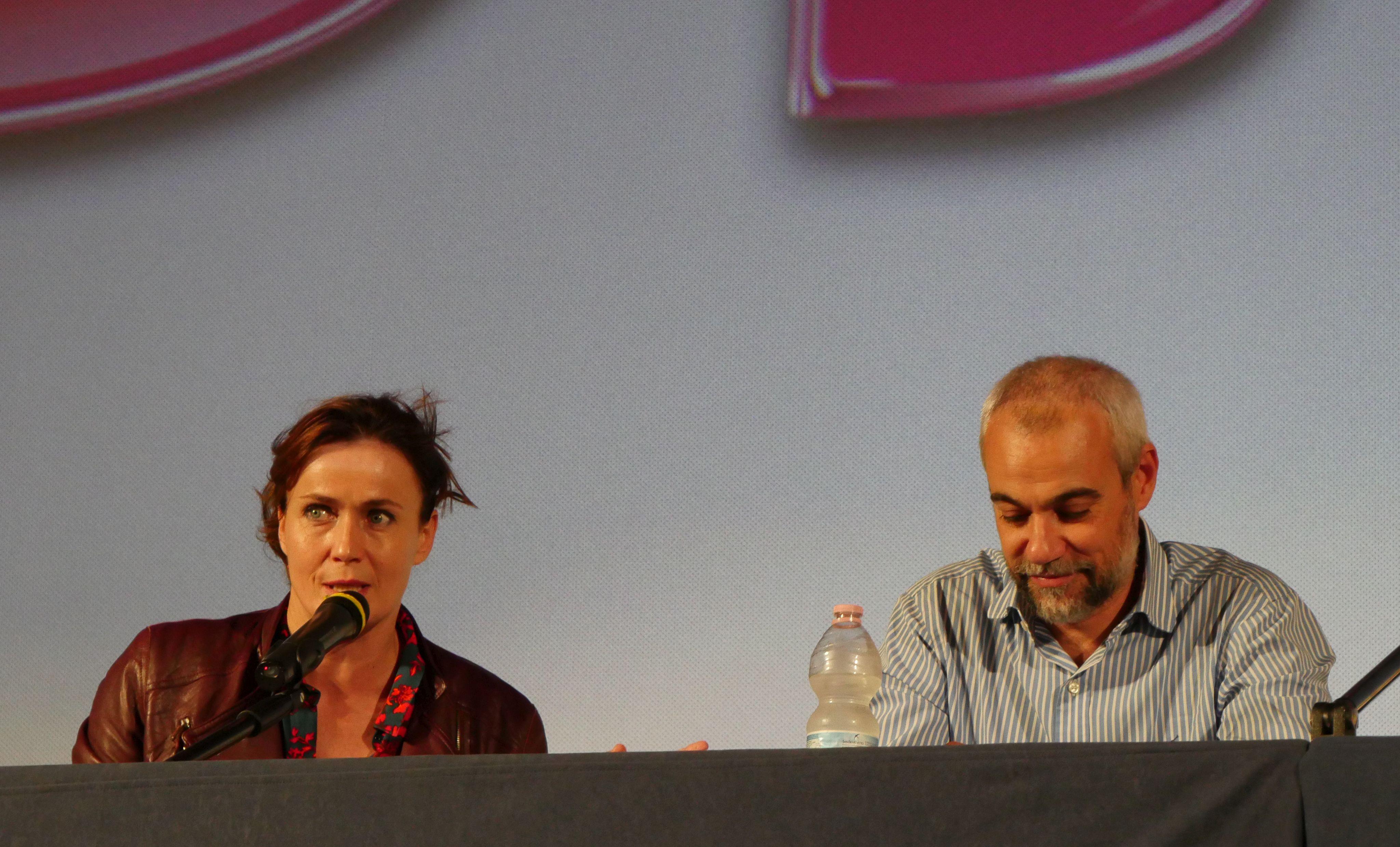 """I delitti del BarLume: una foto di Lucia Mascino e Marco Malvaldi a Lucca Comics 2018"""""""""""