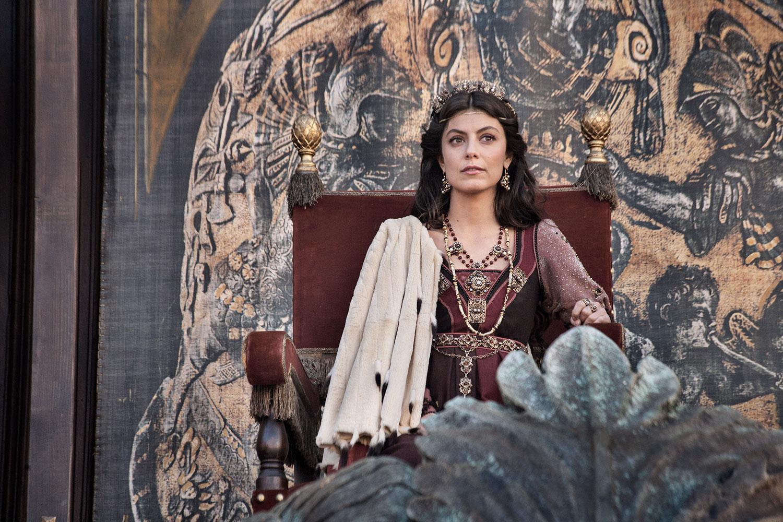 I Medici 2: Alessandra Mastronardi assiste a un torneo cavalleresco