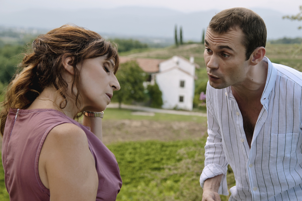 Isabelle: Ariane Ascaride e Robinson Stévenin in una scena del film