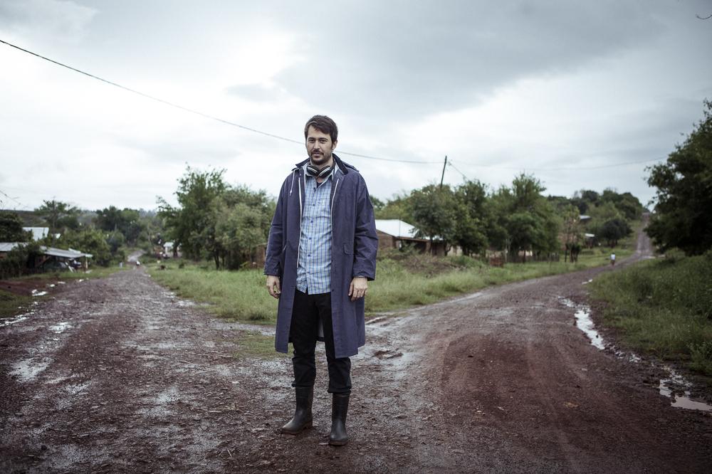 Paulina: il regista Santiago Mitre sul set del film
