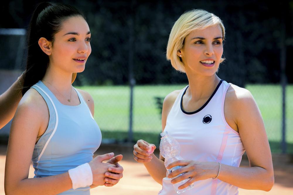 Se son rose: Elena Cucci e Mariasole Pollio in un'immagine del film