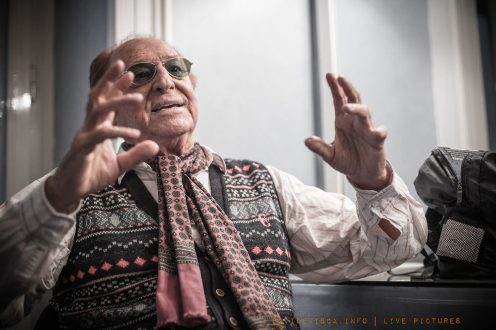 Vinilici: Renzo Arbore in un'immagine del documentario