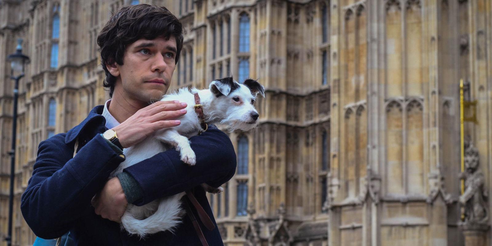 A Very English Scandal: una scena della serie con Ben Whishaw