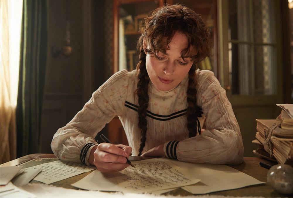Colette: Keira Knightley in una scena del film