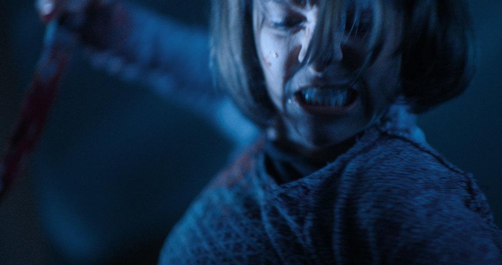 Dead Night: Brea Grant in un primo piano del film