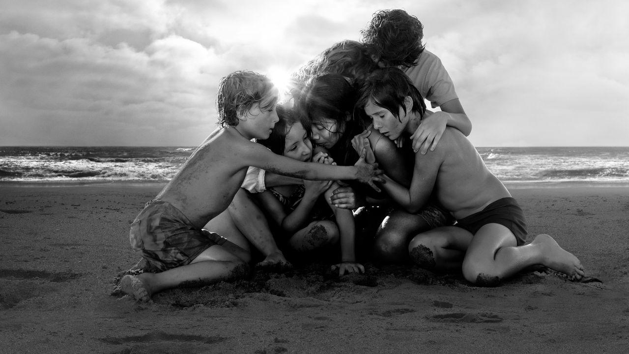 Roma, una immagine promo del film di Cuaron