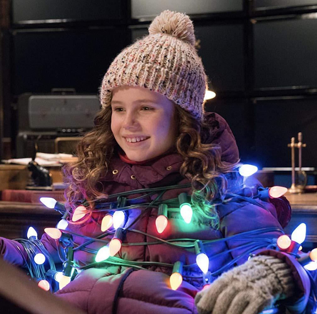 Qualcuno salvi il Natale: Darby Camp in una scena del film