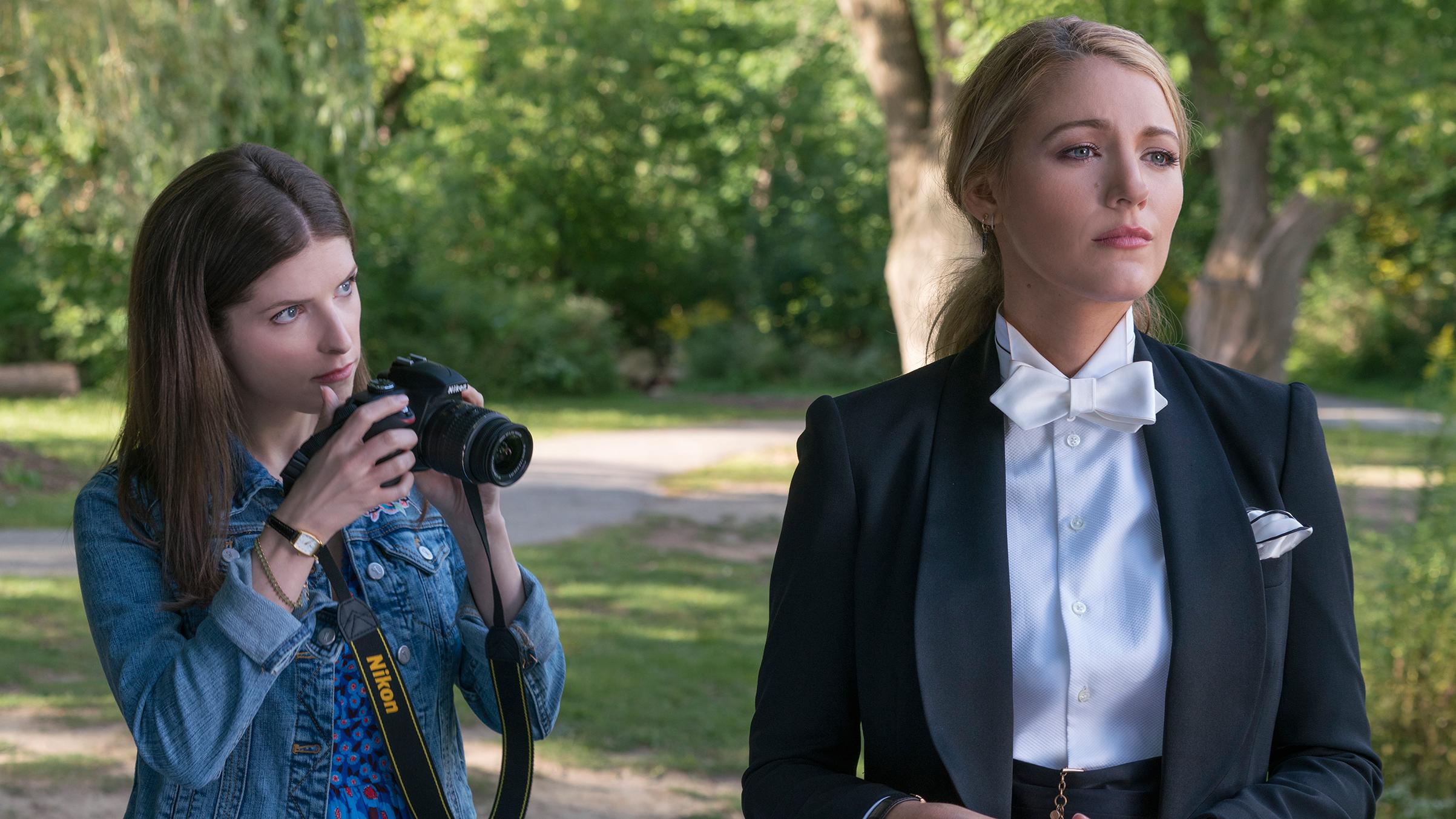 Un piccolo favore: Blake Lively e Anna Kendrick in una scena