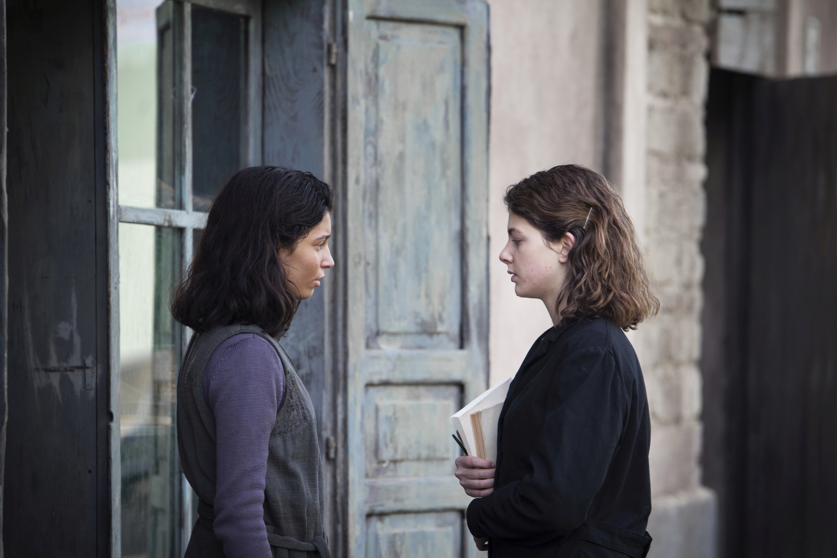 L'amica geniale: una sequenza con Gaia Girace e Margherita Mazzucco
