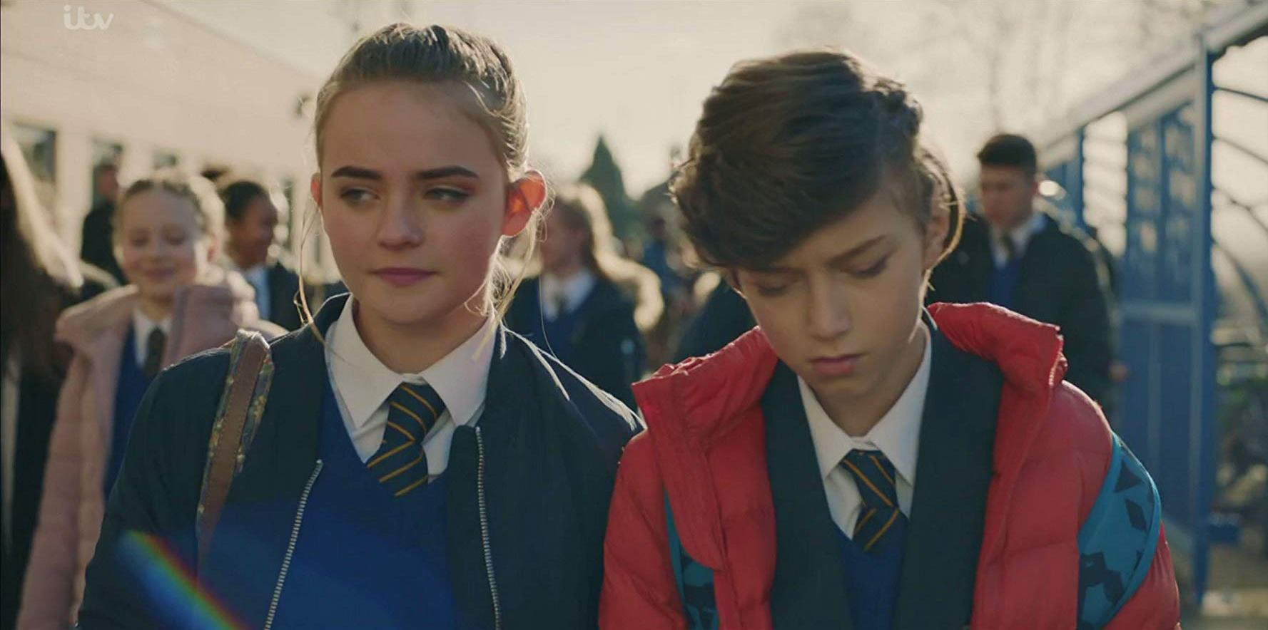 Butterfly: Callum Booth-Ford e Millie Gibson  in una scena