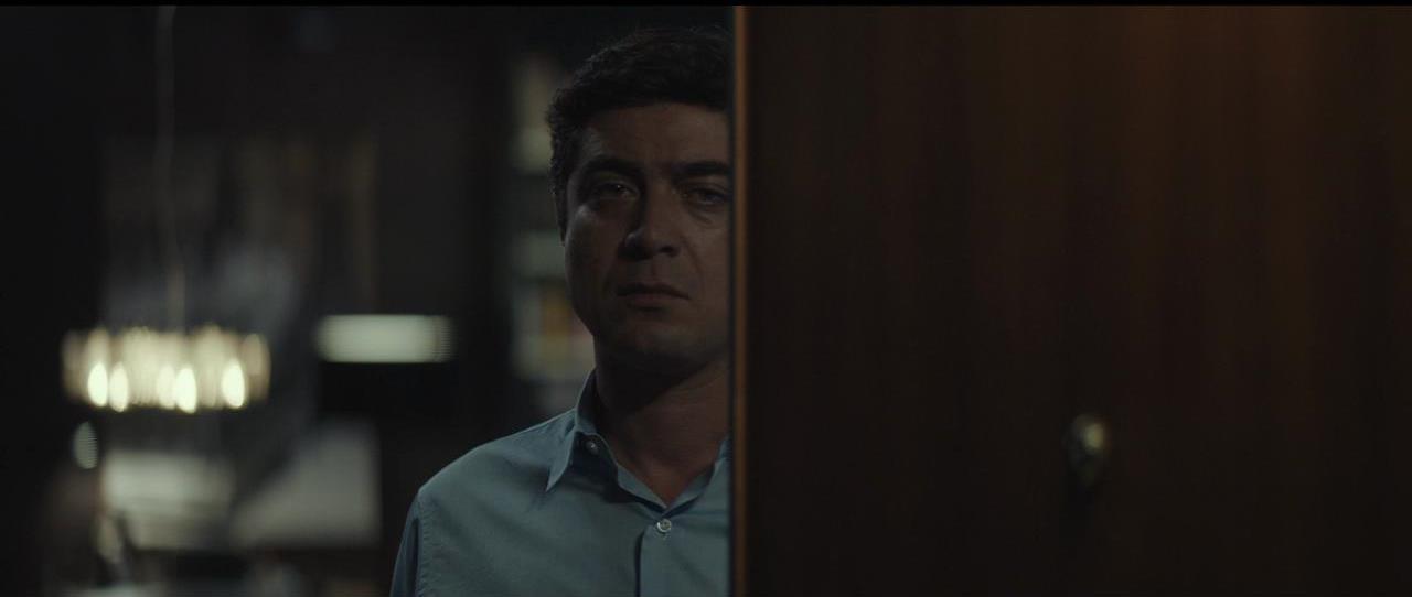 Il testimone invisibile: Riccardo Scamarcio in una scena